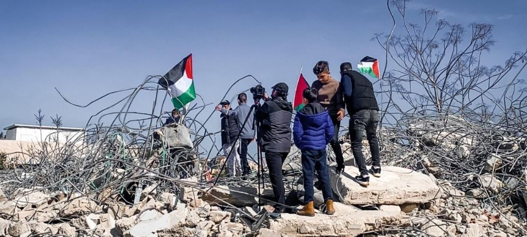 الاحتلال يهدم منزل آل عليان في العيسوية
