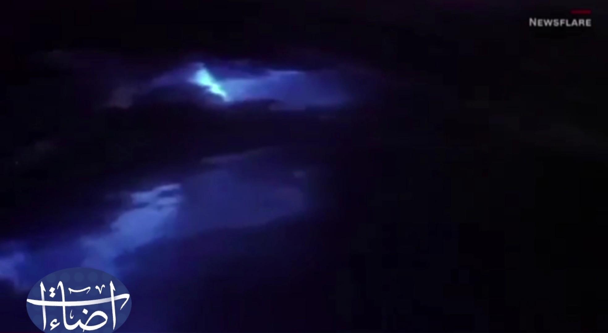 إضاءات/صور سمك قرش تضيء بالظلام