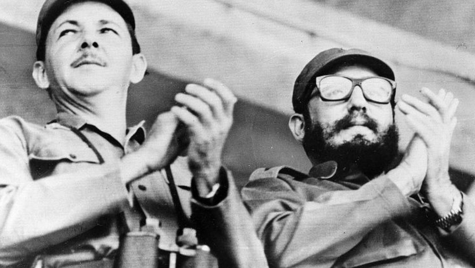 فيدل كاسترو وراؤول كاسترو
