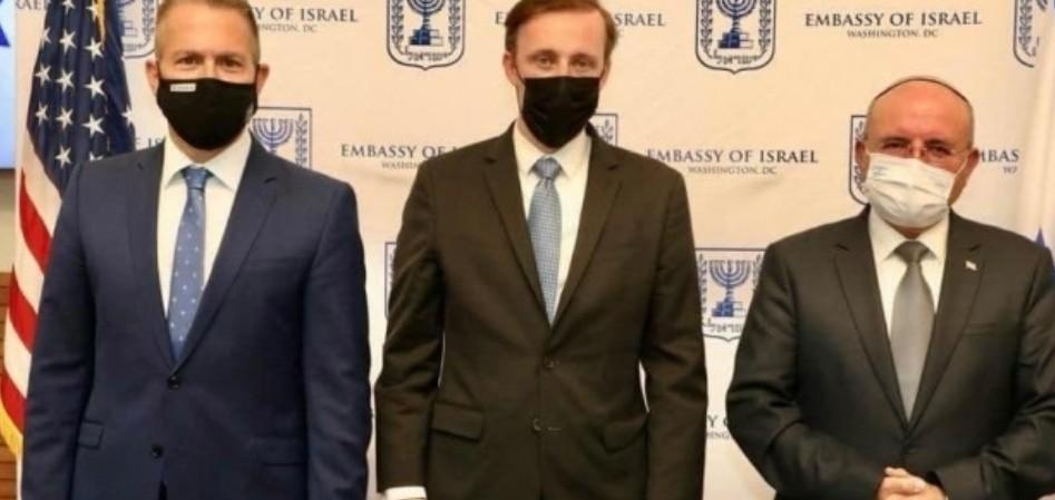 إضاءات بن شبات وساليفان وإردان (تصوير: السفارة الإسرائيلية في واشنطن
