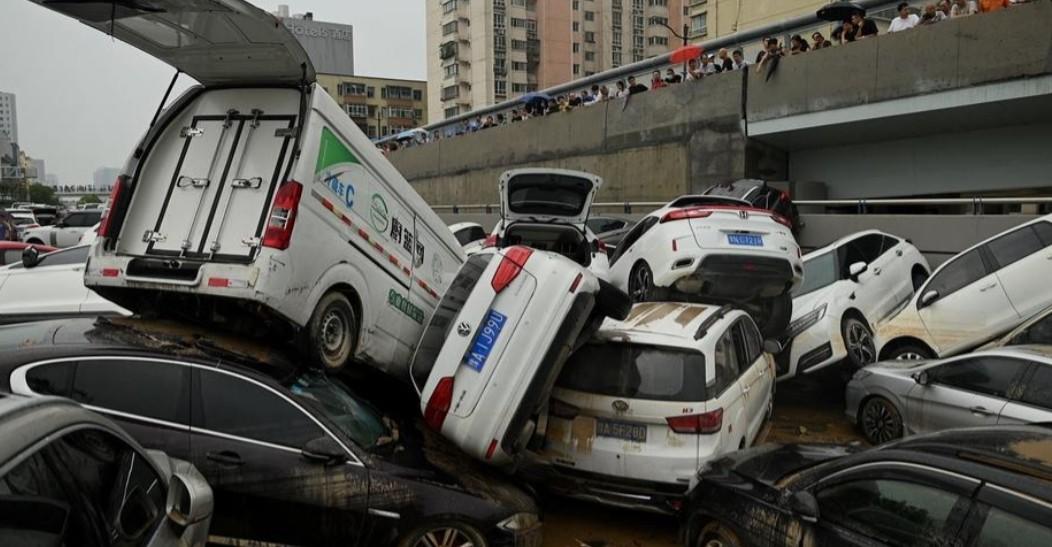 فيضانات الهند والصين